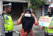 Photo of Polres Tanjungbalai Bagikan Masker Gratis dan Imbau Warga Patuhi Prokes